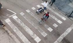 Las bicicletas no pueden ir por las aceras, sino por carriles señalizados (11)