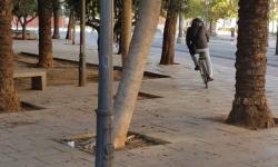 Las bicicletas no pueden ir por las aceras, sino por carriles señalizados (17)