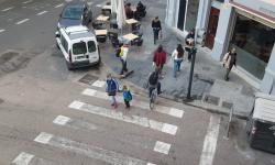 Las bicicletas no pueden ir por las aceras, sino por carriles señalizados (7)