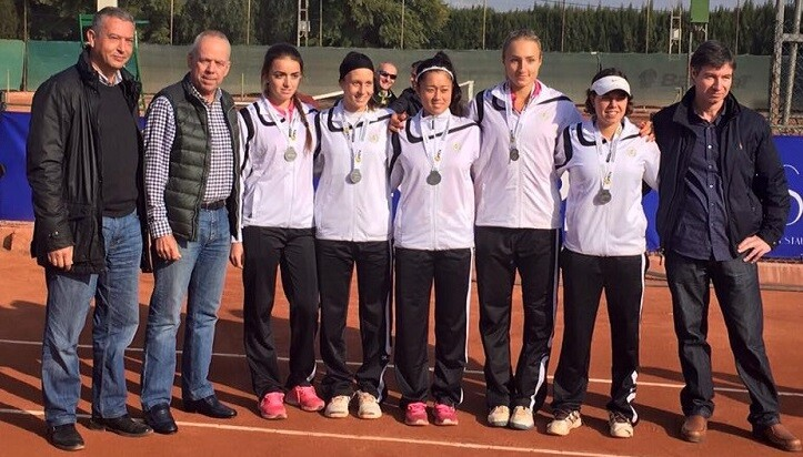 Las jugadoras del Valencia se imponían en la final al equipo del Club de Tenis Vila-Real.