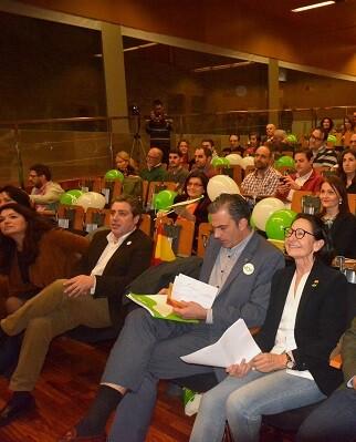 Los asistentes escucharon atentos a sus líderes tanto locales como nacionales.
