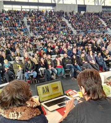 Los más de 3.000 inscritos a la asamblea de la CUP no han sido capaces de tomar una decisión.
