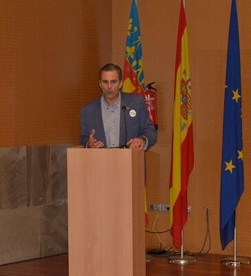 Ortega Smith-Molina durante su  intervención en el mitín que celebró VOX Valencia.