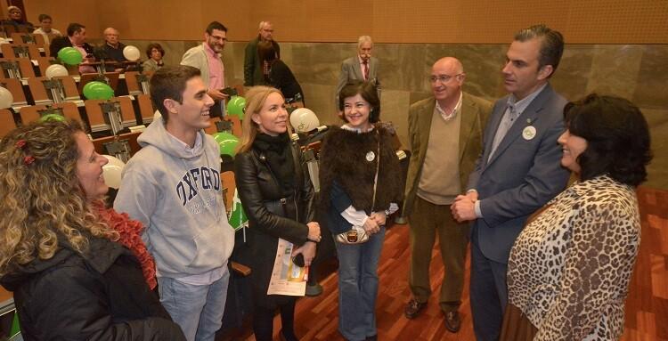 Ortega Smith-Molina junto a simpatizantes y miembros de la organización política.