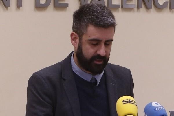 PLV pide la dimisión de Pere Fuset como concejal de Fiestas del Ayuntamiento(Foto-Manuel Molines)