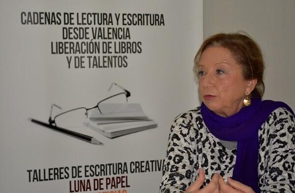 Para la autora es importante la formación en los tallleres creativos. (Foto-Roberto Fariña).