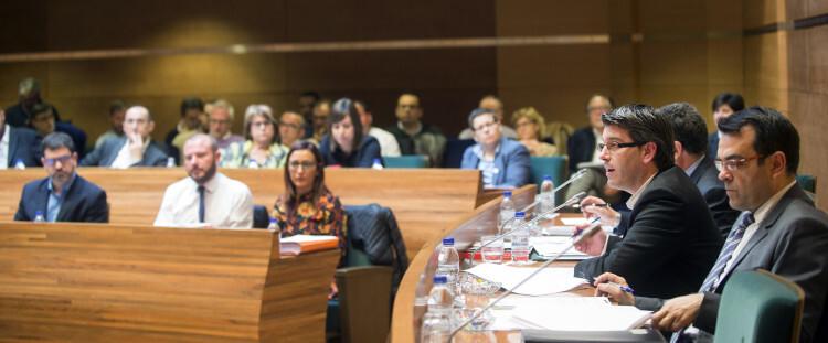 Pleno Diputación foto_Abulaila (2)_6