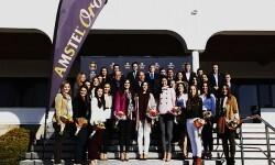 Por primera vez, Amstel reúne a las nuevas directivas de Las Fallas, La Magdalena y Las Hogueras de San Juan, junto a sus máximas representantes.