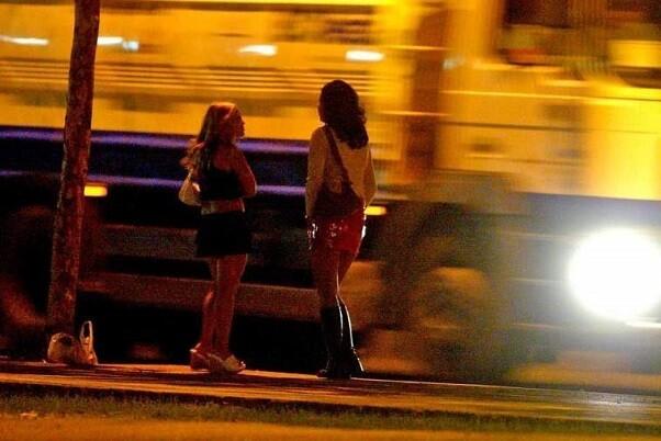 Un informe de Médicos del Mundo indica que 1.886 personas ejercieron la prostitución en 2014 en Valencia.