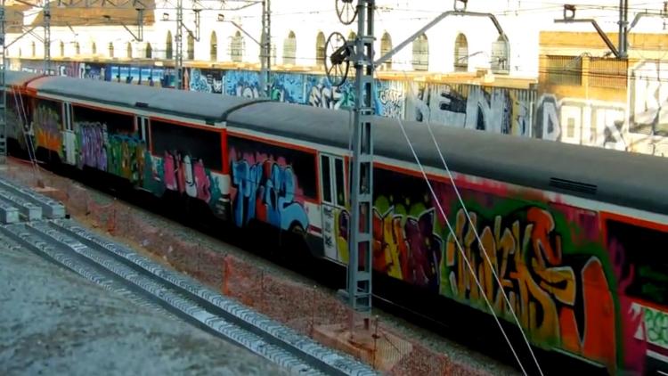 grafiteros en trenes que causaron daños por valor de más de 2 millones de euros (6)