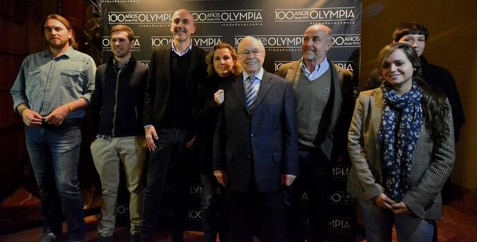 Todo el equipo de de trabajadores del Teatro Olympia. (Foto-R.Fariña).