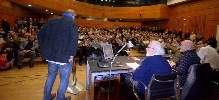 Álvaro y Martínez de Pisón poco antes de iniciar su conferencia. (Foto-R.Fariña-Valencia noticias).