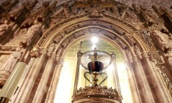 100 años de exposición para el Santo Cáliz de la Catedral de Valencia.