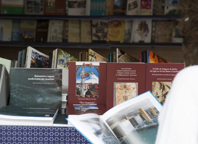 1987 5-05-15 PUBLICACIONES