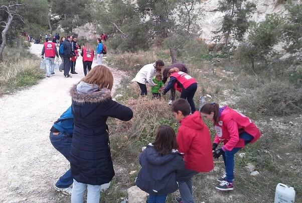 Aguas de Alicante inicia la campaña de repoblación con 3.000 plantones autóctonos para conmemorar el Día del Árbol.