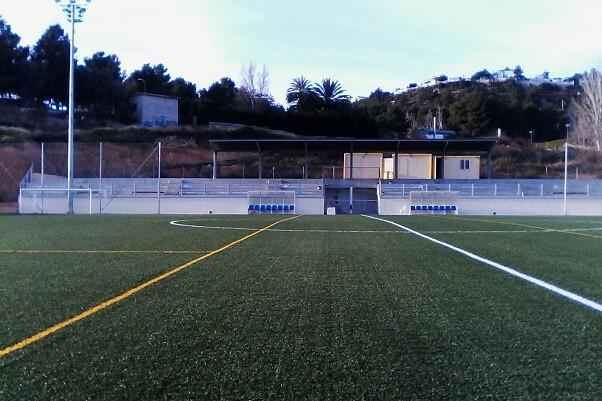 Chiva rehabilita el Teatro Astoria y el campo de fútbol de La Murta.