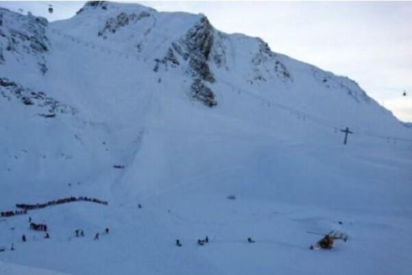 Cinco soldados fallecen en una avalancha en los Alpes franceses.