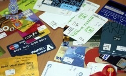 Desarticulado un entramado que defraudó más de 1.000.000 de euros mediante el uso de tarjetas fraudulentas.