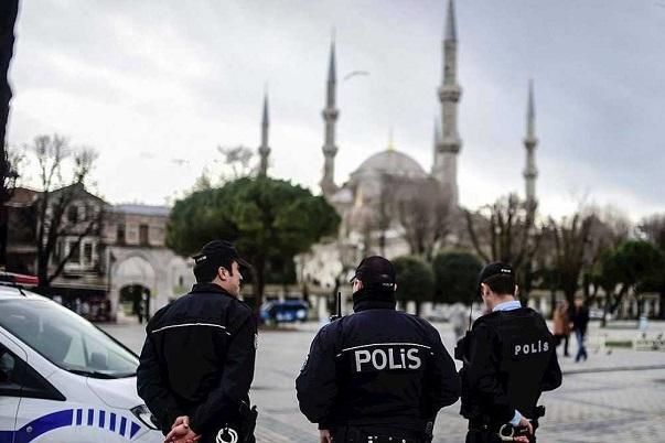 Detienen a cinco personas en Turquí relacionadas con el atentado en Estambul.