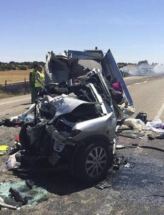 El último día de 2015 perdieron la vida en las carreteras españolas tres personas.