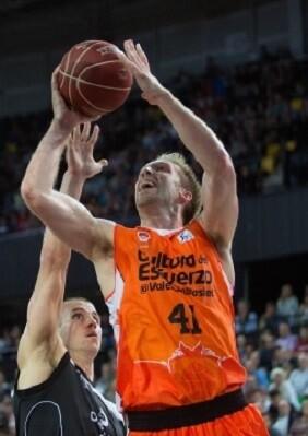El Dominion Bilbao Basket llega a la Fonteta en un buen momento de forma. (Foto-A. Arrizabalaga).