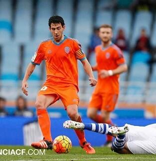El inicio del Valencia CF fue claro y conciso, estar fuerte atrás y salir rápido. (Foto-Lázaro de la Peña).
