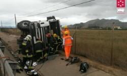 Fallece un motorista en Benicàssim al colisionar con un camión.