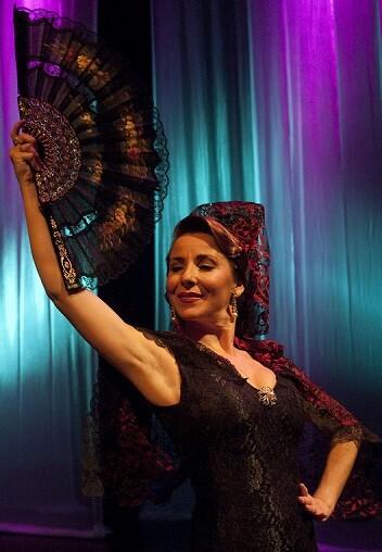 Hay que considerar de 'especial reconocimiento' el trabajo de la cantante y actriz Aurora Frías en su interpretación de la diva valenciana.