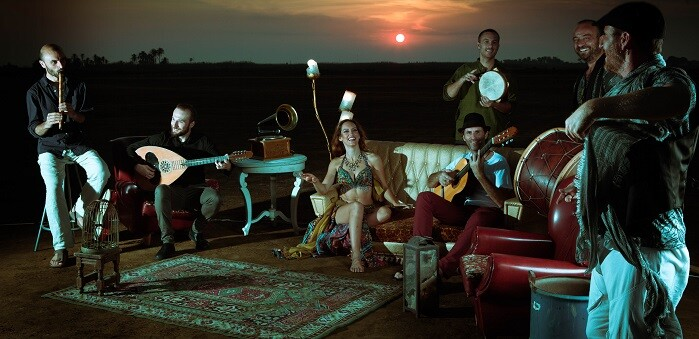 La Banda del Pepo, formación de origen murciano pero que recoge influencias musicales que mezclan la base flamenca con instrumentos y sonoridades griegas, turcas, árabes e incluso indias.