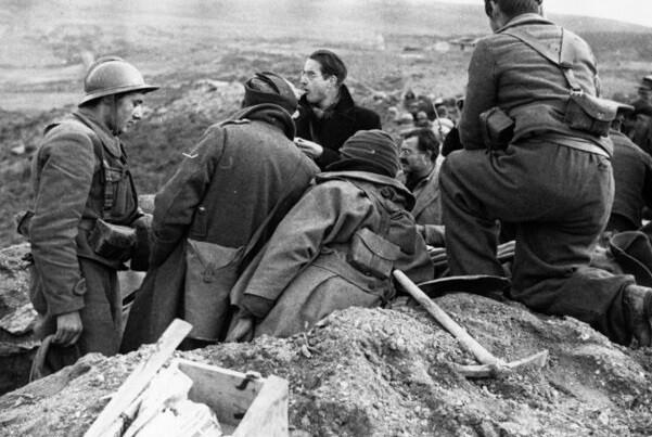 La Filmoteca de CulturArts proyecta 'Las Hurdes', de Buñuel, y 'Tierra de España', de Joris Ivens.