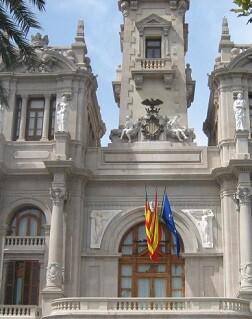 La Policía judicial entró hoy en el Ayuntamiento de Valencia.