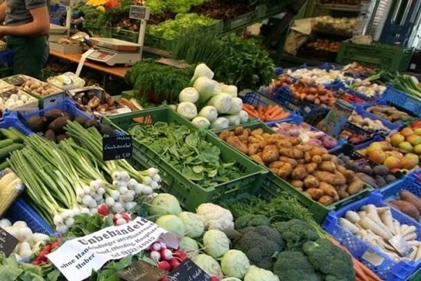 La plaza del Ayuntamiento acogerá un mercado de productos ecológicos el último domingo del mes.