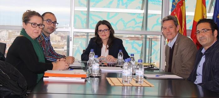 La reunión contó con la presencia del director general de la Agencia Valenciana de Igualdad en la Diversidad, José de Lamo.