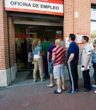 La valenciana es la segunda autonomía que registra en este periodo un mayor descenso, seguida de Cataluña.