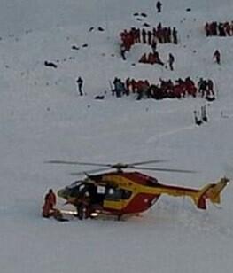 Las autoridades enviaron un helicóptero y médicos a la zona.
