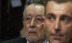 L'exsecretari de Turisme de la Generalitat Valenciana, Luis Lobón, en primer pla, i l'exvicealcalde de València, Alfonso Grau, a la sala on se celebra el judici del cas Nóos. / CATI CLADERA / EFE POOL