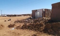 Los saharauis reciben la caravana de emergencia tras las lluvias torrenciales en los campamentos.
