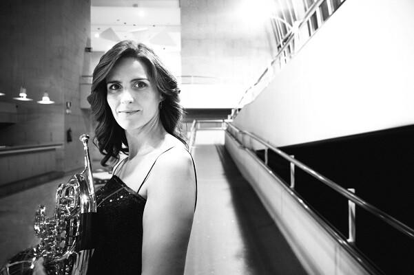 María Rubio y Bruno Schneider interpretan con la Orquesta de Valencia el concierto para dos trompas de Haydn. (Foto-Valencia Noticias).