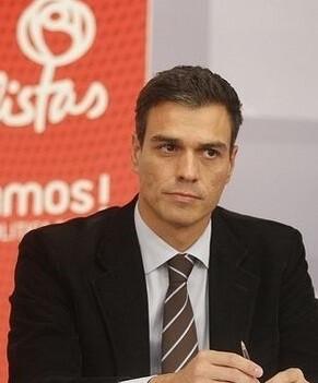 Rechazo contundente de PSOE a la decisión de Rajoy a no presentarse a la investidura.