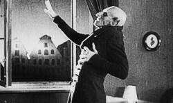 Sala Russafa programa clásicos del cine mudo musicalizados por destacadas bandas de la escena independiente.