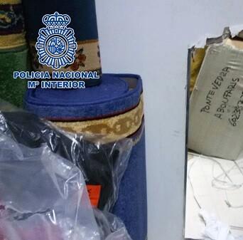 Se intervinieron 36.000 prendas falsificadas. (Foto-Valencia Noticias).