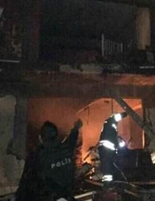 Un edifició quedó práticamente destruido por la bomba. (Foto-Daily Sabah).