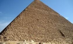 Un escaneo de la pirámide de Keops revela un nuevo secreto sobre su misteriosa construcción.