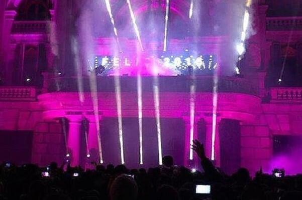 Una empresa próxima a Compromís realizó la iluminación de la fiesta de Nochevieja realizada por el Ayuntamiento de Valencia.