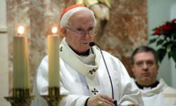 El cardenal arzobispo de Valencia, Antonio Cañizares, durante la celebración de una liturgia reciente con motivo de las fiestas de Navidad. / AVAN