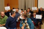 Vecinos de Campamento pidieron ayer en el pleno que se vuelva a poner en marcha el servicio de préstamo de libros