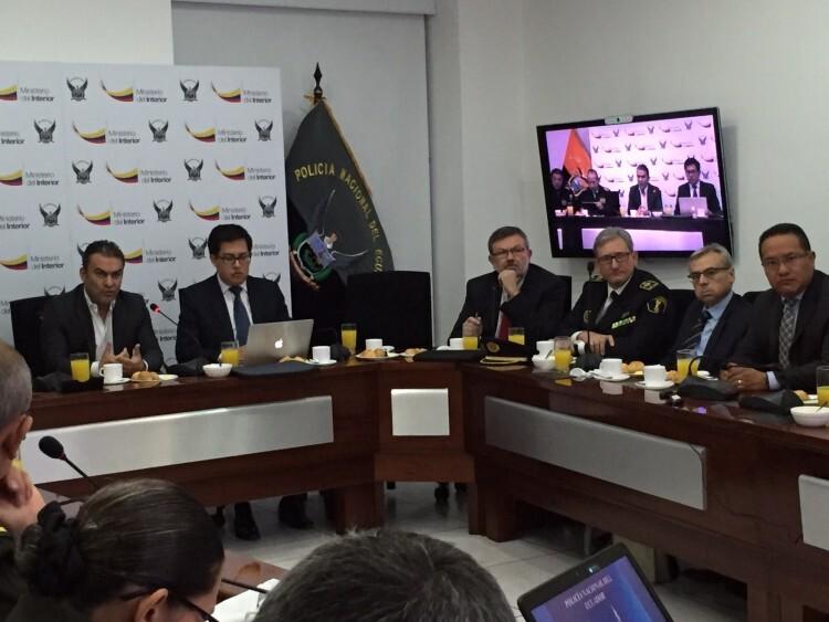 reunión en Quito