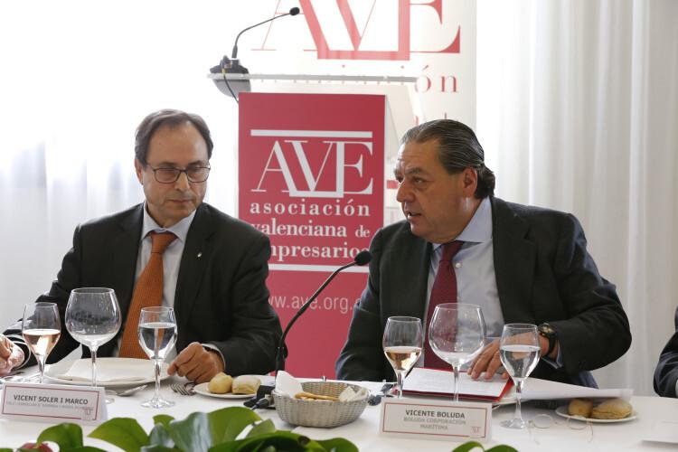 AVE Junta general con el conseller de economia y hacienda de la CV Vicent Soler
