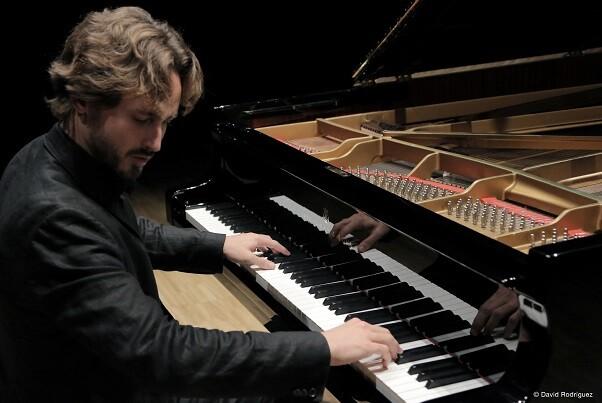 Antonio Galera interpreta en el Palau de la Música sonatas y romanzas de Mendelssohn y Schubert.