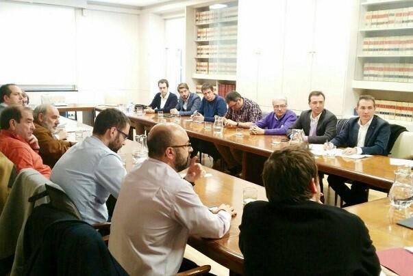 Buñol y los municipios de la 'Declaración de Xirivella' consiguen el compromiso del Ministerio de electrificación de la vía C-3 hasta Valencia.